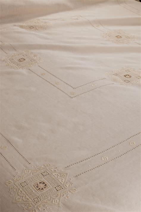 copriletto ricamato copriletto matrimoniale ricamato punto antico puncetto