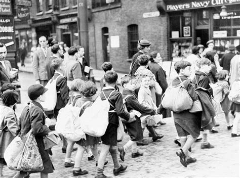 old picz children during world 8th september 1940 direct hit on shelter kills 78 people on peabody estate whitechapel london