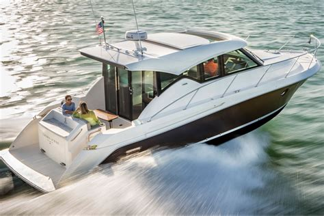 tiara boat pictures top 10 cruisers of 2016 boats