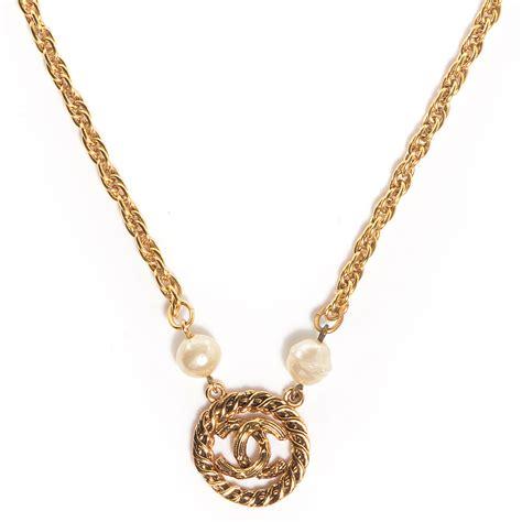 chanel vintage pearl cc pendant necklace gold 77868