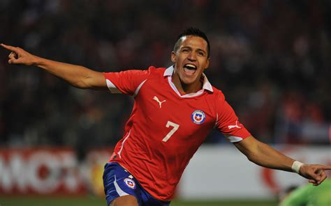 alexis sanchez vs southton watch alexis sanchez absolutely bullies james rodriguez