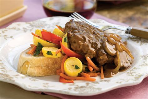 Best Southern Comfort Food Recipes by Hamburger Steak With Sweet Gravy 101 Best