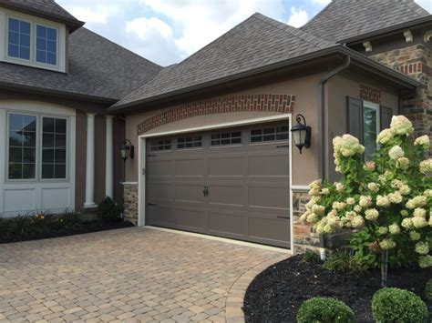 garage doors ohio residential garage doors columbus nofziger doors 614