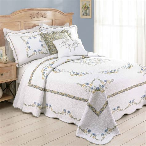 kohls bedspreads and comforters floral design bedding kohl s