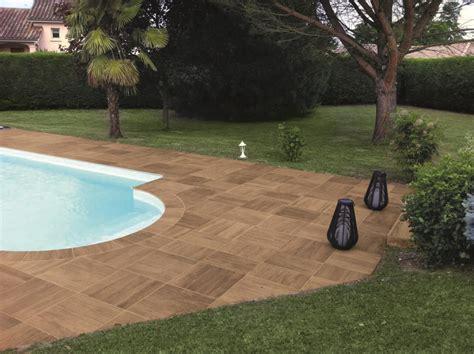 piastrelle per piscina pavimenti spessorati per piscine e aree benessere