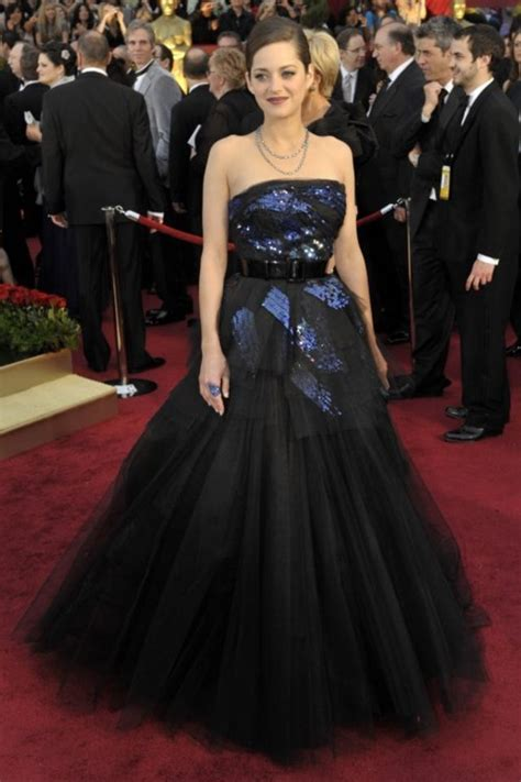 Marion Cotillards Oscar Dress From Runway To Carpet by Oscars Fashion All Time Best Dresses On The Oscars Carpet