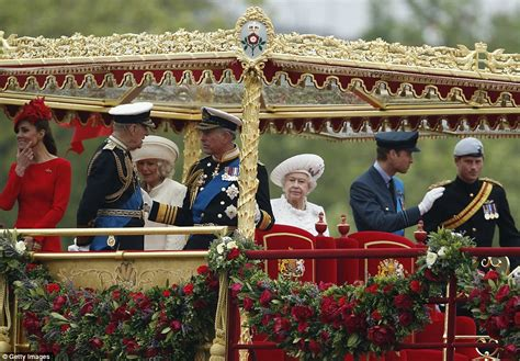 the queen s boat queen s diamond jubilee three generations of royals join