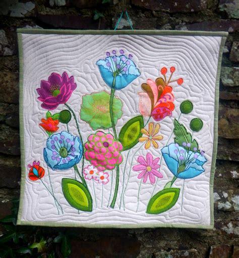 flower pattern quilt applique wonky patchwork flower applique mini quilt