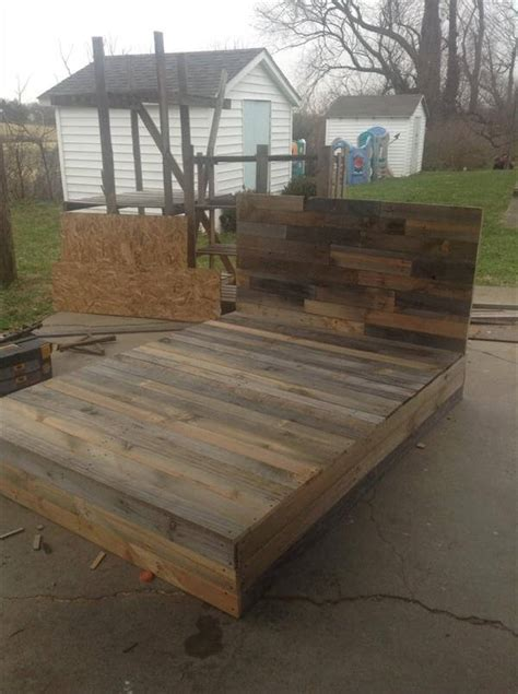 pallet platform bed install the pallets into beautiful diy bed 101 pallets