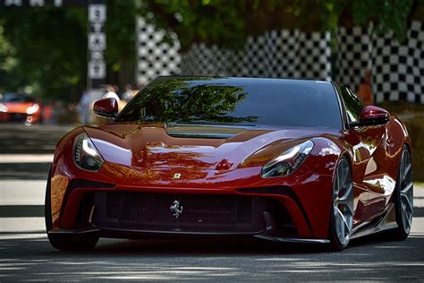 Ferrari Ff Preis Neu by Ferrari Nyse Race Supercars In 2017 Live Trading News