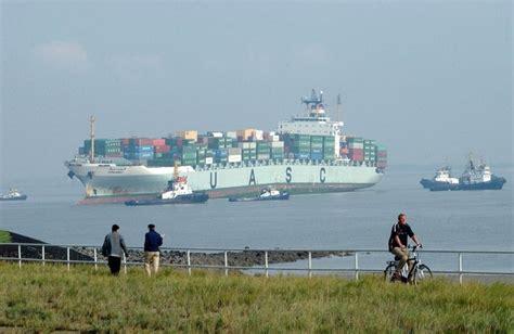scheepvaart westerschelde live scheepvaart richting de haven van antwerpen over de