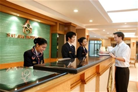 Who Is A Front Desk Officer by Internship