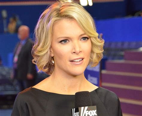 photo of fox news reporter megan kelly without makeup santa just is white here are megyn kelly s 7 most