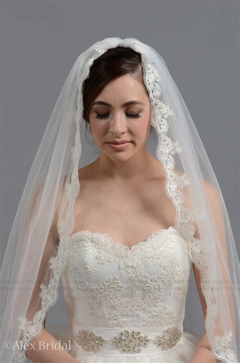 Bridal Veil by Wedding Veil Bridal Veil Mantilla Veil Length Veil