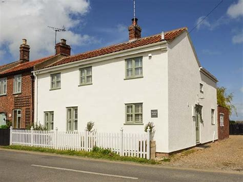 Rosemary Cottage In Sea Palling Selfcatering Travel Rosemary Cottage