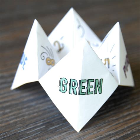 Paper Origami Fortune Teller - how to make a paper fortune teller skip to my lou