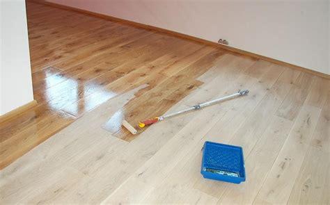 Holzboden Pflegen Parkett Holzboden Vinylb 246 Den Verlegung Parquet Pavimenti Legno Vinile Posa