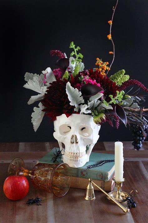 25  best ideas about Halloween Wedding Centerpieces on
