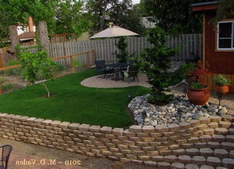 lawn free backyard backyard makeover tried something different lawn landscape
