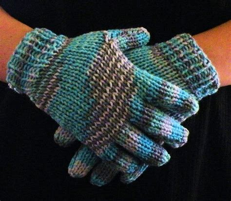 loom knit mittens 25 best ideas about knitted gloves on