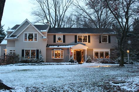 decorating your house for christmas decorating the outside of your house for christmas
