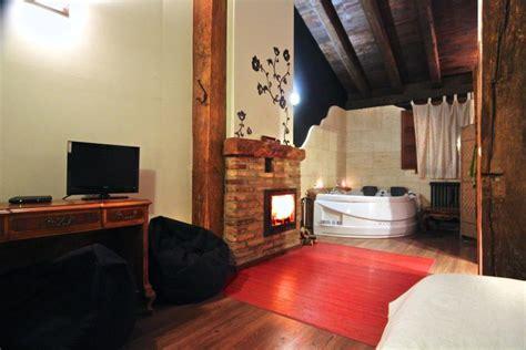 hoteles rurales con chimenea en la habitacion suite con y chimenea casa senderuela