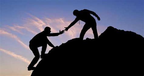 Saling Membantu Helping by Renungan Rohani