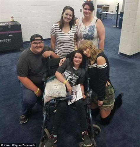 taylor swift concert years taylor swift poses with 10 year old fan who suffered