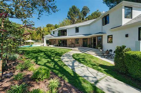la house a look at scarlett johansson s quietly opulent los feliz