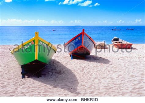 speed boat crash long beach people relaxing on beach boats and playing water sports on