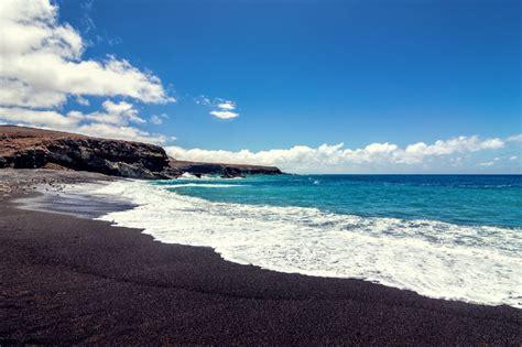 black sand 3 5 top 5 des plus belles plages de sable noir 224 travers le