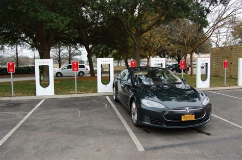 Supercharger Stations For Tesla Hyundai Vs Tesla Exec Claims U S Funds Superchargers