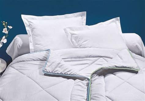laver ses oreillers comment nettoyer sa couette et ses oreillers on vous dit