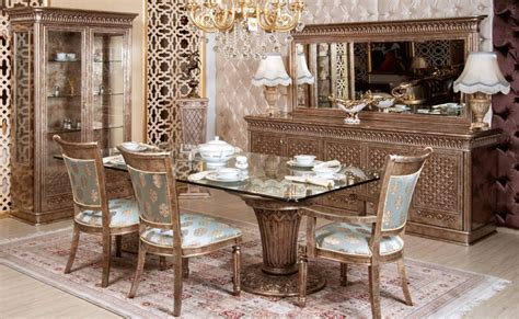 belinda classic dining room set