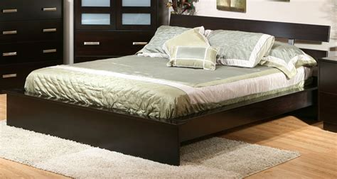 bed bath and beyond coralville hilton beds hilton bed ohio hardword upholstered furniture