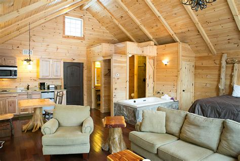 treehouse cabins in berlin ohio lodging in berlin ohio tree house amish country cabins