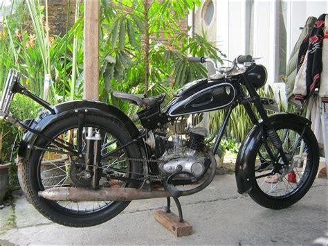 Poci Antik Terakota Yixing Motif Naga dkw rt 125 motor dkw rt 125 sold
