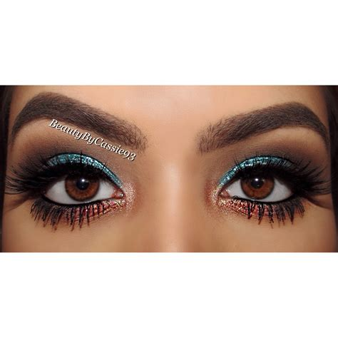 with eyeshadow glitter makeup by