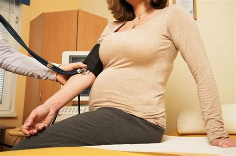 Wanita Hamil Nafsunya Tinggi Ibu Hamil Darah Tinggi Rentan Melahirkan Bayi Obesitas