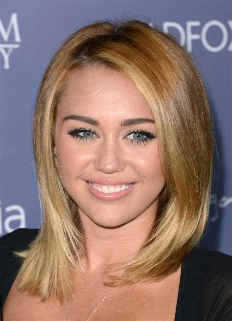 how to style miley cyrus hairstyle miley cyrus medium straight cut shoulder length