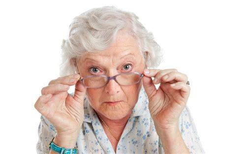 imagenes groseras de abuelas c 243 mo disfrazarse de abuela 4 pasos uncomo