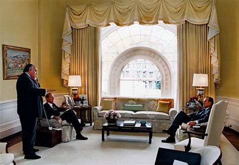 white house private residence roger ailes and james baker in the private residence of the white house with president