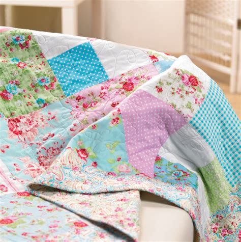Easy Patchwork Quilt Patterns - easy patchwork quilt free sewing patterns sew magazine