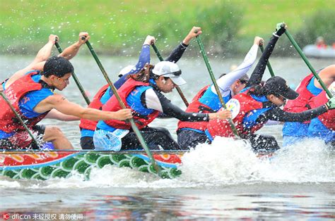 dragon boat racing dubai festival city top 10 destinations for luxury retailers in the world 1