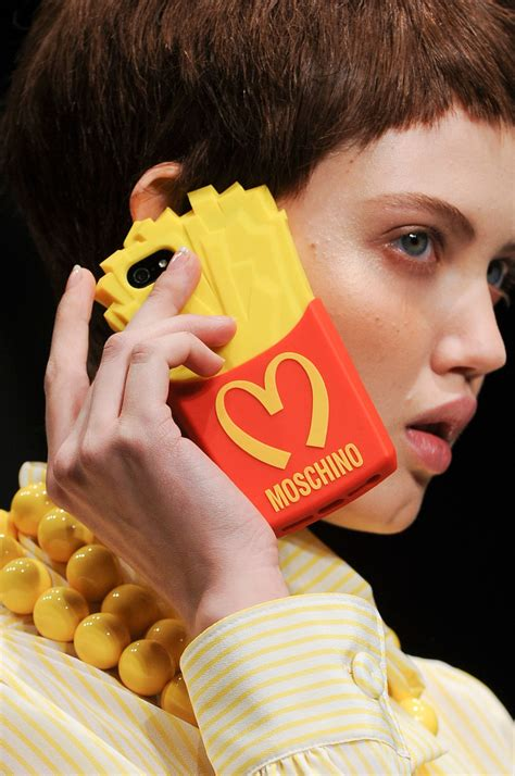 Show Studio Essays by Moschino Fall 2014 Runway Pictures Stylebistro