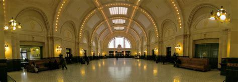 file seattle union station interior pano 01 jpg