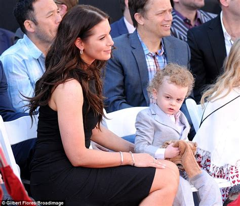 vince vaughn married vince vaughn s wife kyla and their two children make rare