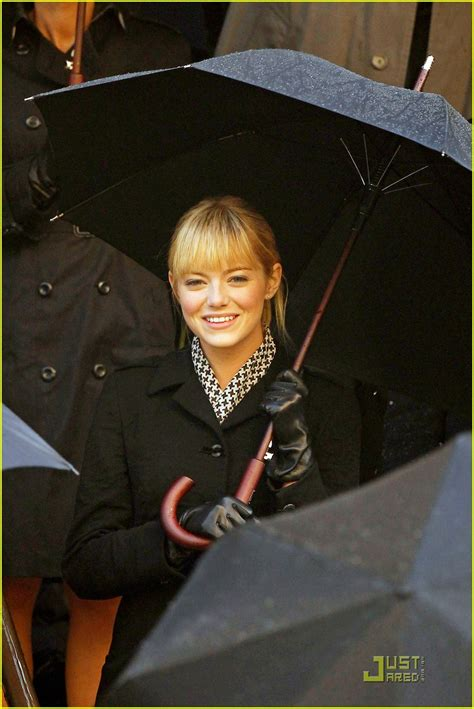 emma stone quits spiderman first on set pics of emma stone as gwen stacey in spider