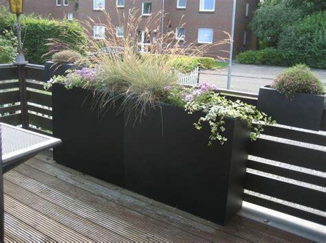 abtrennung terrasse 1000 ideas about pflanzk 252 bel anthrazit auf