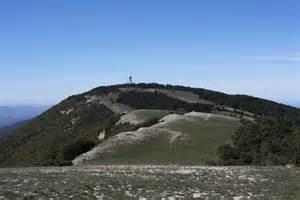 Photois panoramio photo of le mourre n 232 gre 1125m grand luberon